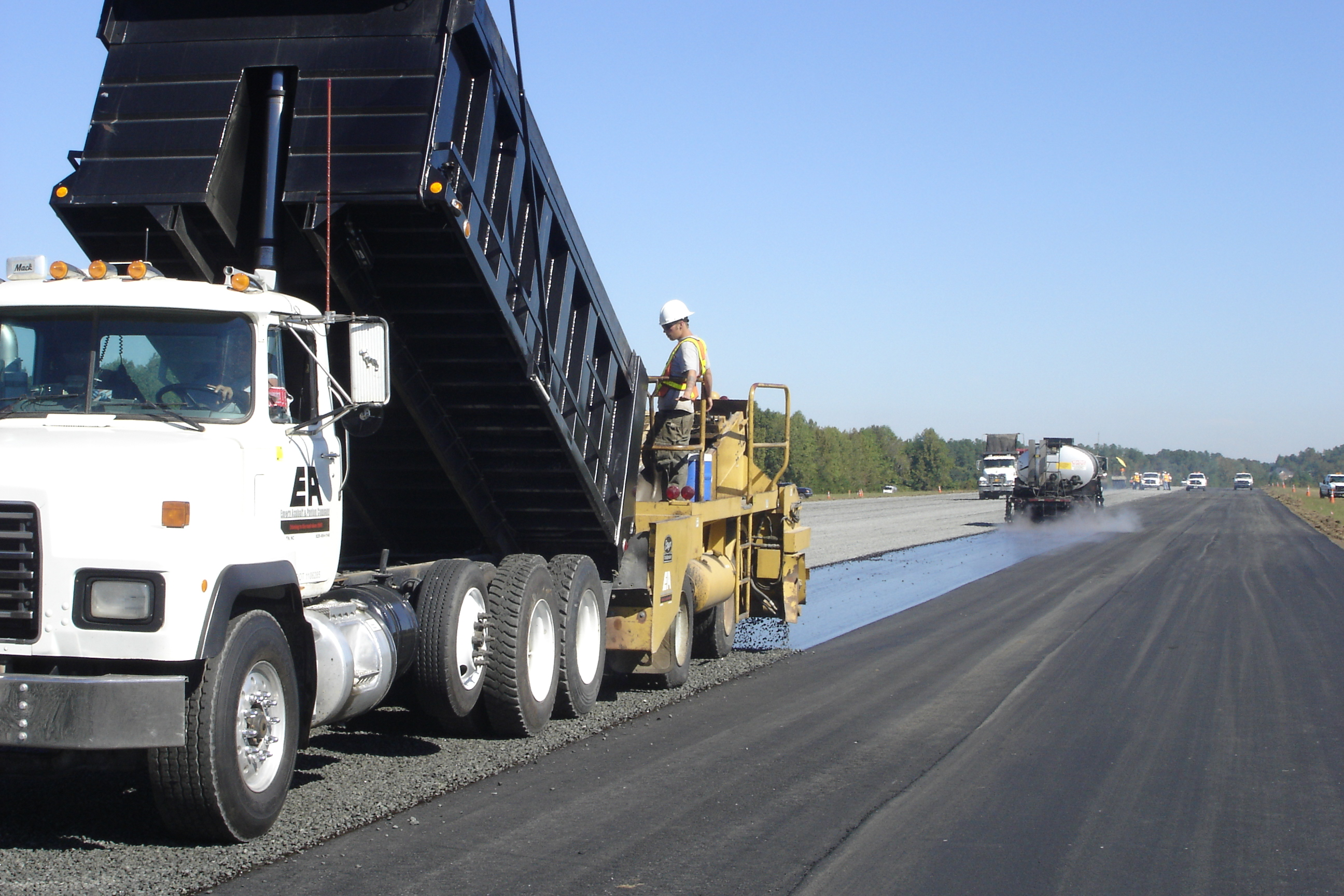 Paving 2005 (Airport) 010