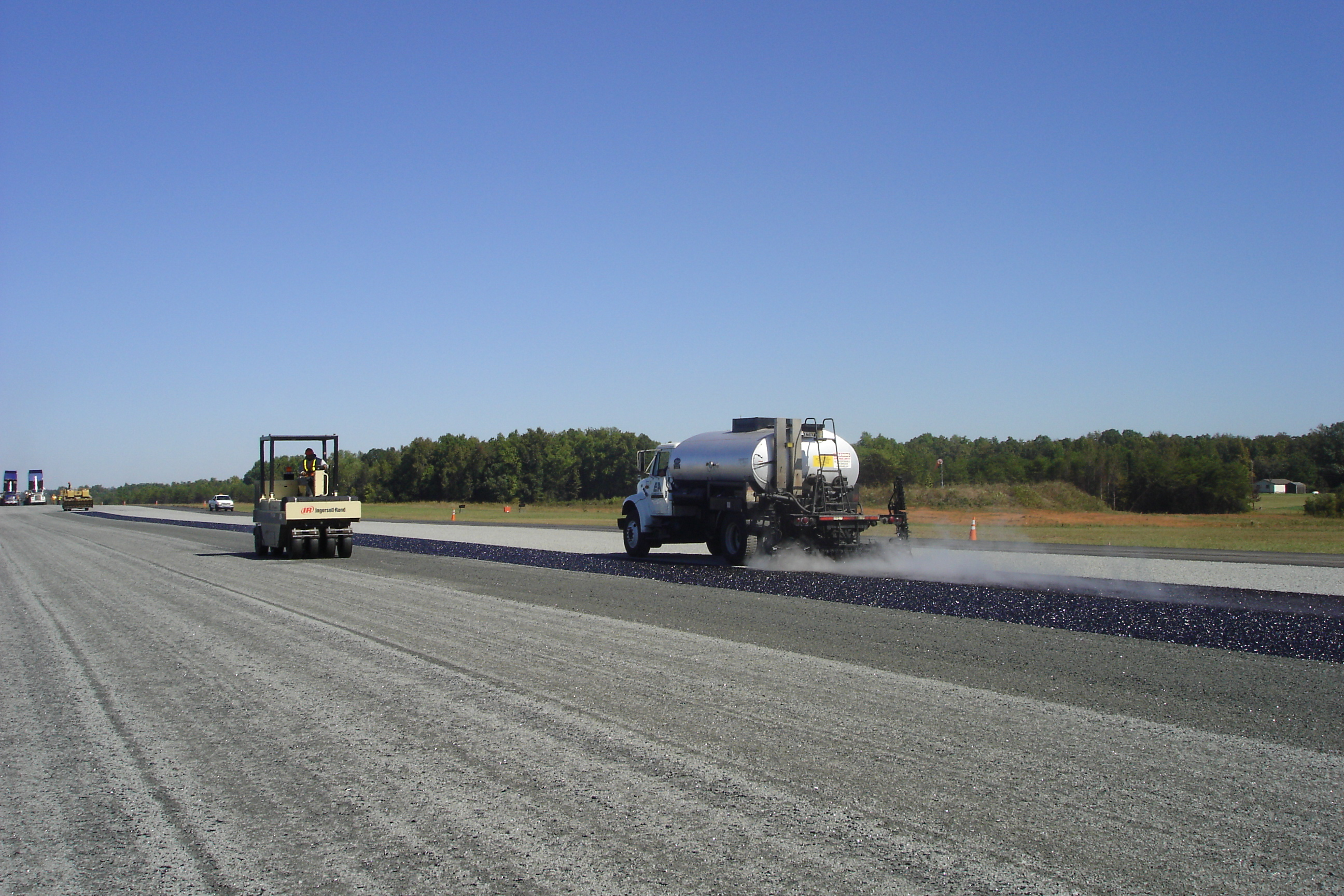 Paving 2005 (Airport) 015