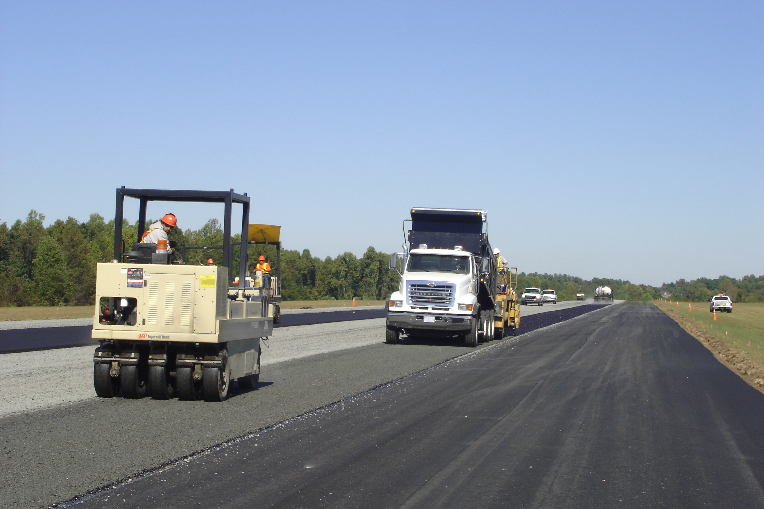 Paving 2005 (Airport) 018